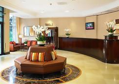 런던 메리어트 호텔 마이다 베일 - 런던 - 로비