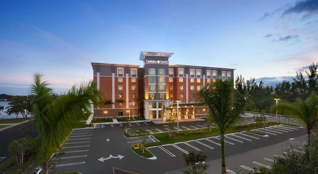 캄브리아 호텔 앤 스위트 마이애미 에어포트 블루 라군 마이애미 - 마이애미 - 건물