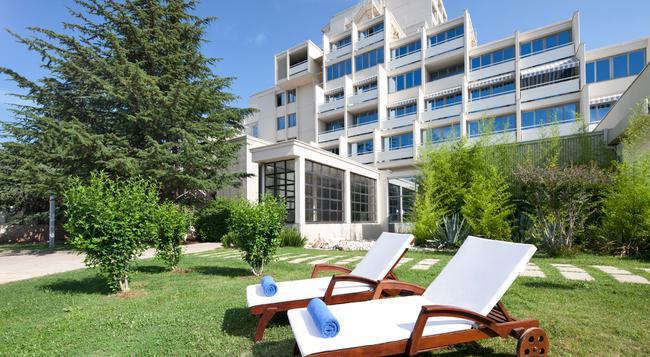 발라마 다이만트 호텔 - Poreč - 건물