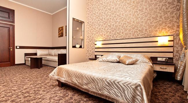 Classic Hotel - 카르코브 - 건물