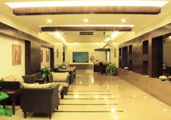 호텔 캐너리 사파이어 - CRN - 벵갈루루 - 로비