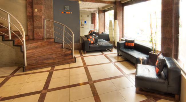 호텔 LP 콜럼버스 - 라파스 - 건물