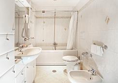 호텔 아우구스테아 - 로마 - 욕실