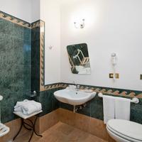더 듀크 호텔 Bathroom