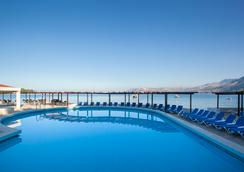 Remisens Hotel Epidaurus - 챠브타트 - 수영장