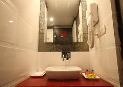 패브호텔 선코트 카롤 바그 - 뉴델리 - 욕실