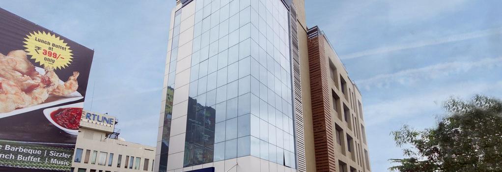 Fabhotel Arya Hinjewadi - 푸네 - 건물