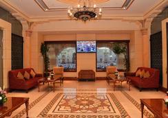 다르 알 타크와 호텔 - 메디나 - 로비