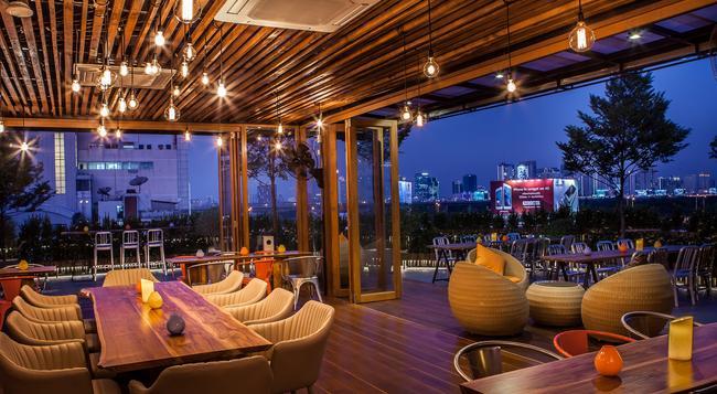 메트로 빠뚜남 부티크 호텔 - 방콕 - 레스토랑