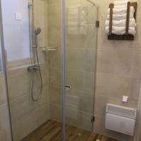 Garni Hotel DUM Bathroom
