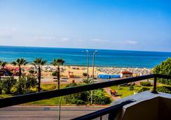 Kleopatra Beach Hotel - 알라냐 - 해변