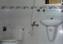 티엔 홍 호텔 사이공 - 호찌민 - 욕실