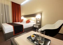 Hotel Galaxy - 티미쇼아라 - 침실