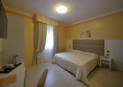 Hotel University - 볼로냐 - 침실