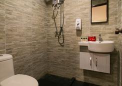 OYO 프리미엄 잘란 부킷 빈탕 - 쿠알라룸푸르 - 욕실