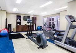 Metterra Hotel on Whyte - 에드먼턴 - 체육관