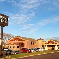 Dakotah Lodge Hotel Front