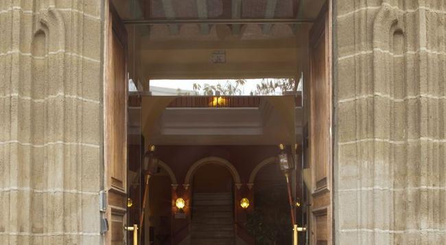 Hotel Bellas Artes - 헤레스데라프론테라 - 건물