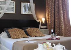 Hotel Bellas Artes - 헤레스데라프론테라 - 침실