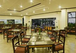 Plaza Del Norte Hotel & Convention Center - 라오아그 - 레스토랑