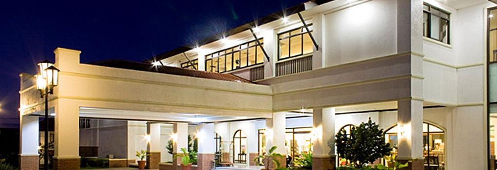 Plaza Del Norte Hotel & Convention Center - 라오아그 - 건물
