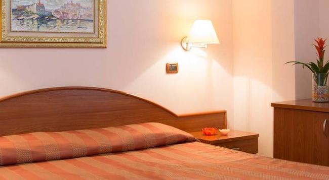 Garden Hotel Ripa - 비에스테 - 침실
