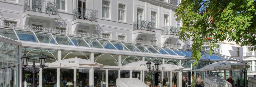 Seetelhotel Pommerscher Hof - 제바트헤링스도르프 - 건물