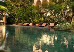 프라야 파라쪼 호텔 - 방콕 - 수영장