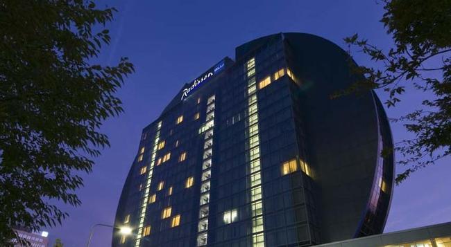 래디슨 블루 호텔 프랑크푸르트 - 프랑크푸르트 - 건물