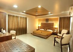 호텔 클라시크 - Rajkot - 침실