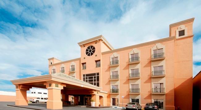 iStay Hotel Ciudad Juarez - Ciudad Juarez - 건물