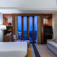 차트리엄 호텔 로얄 레이크 양곤 Guestroom