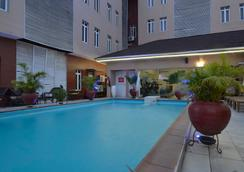 Palazzo Dumont Hotel - 라고스 - 수영장