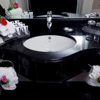 로얄 그랜드 스위트 호텔 Bathroom