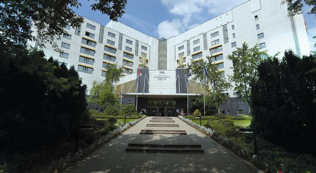 다누비우스 호텔 헬리아 - 부다페스트 - 건물