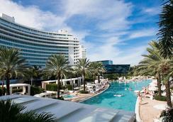 Luxury Suites International - 라스베이거스 - 수영장