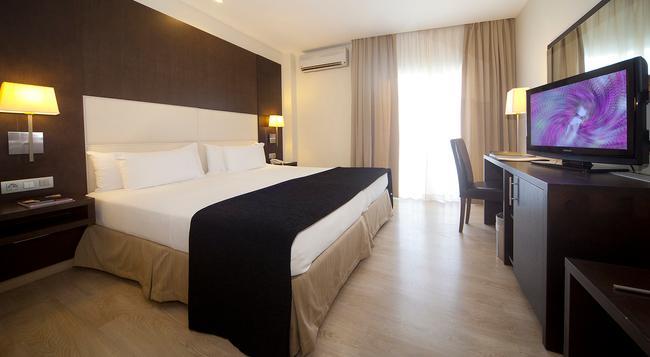 호텔 타부리엔테 S.C.테네리페 - 산타크루스데테네리페 - 침실