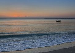 메디테라니오 호텔 앤 레스토랑 - Dar Es Salaam - 해변