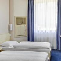 인터시티호텔 어거스버그 IntercityHotel Augsburg, Germany - Standard room with two separate beds