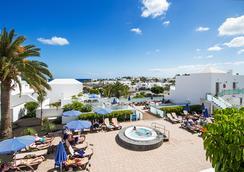 호텔 란사로테 빌리지 - Puerto del Carmen - 수영장