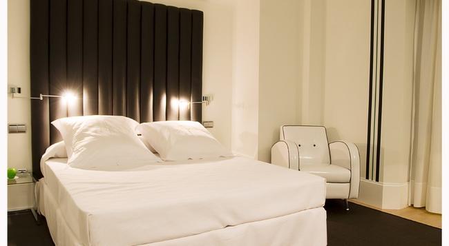 마리포사 호텔 말라가 - 말라가 - 침실