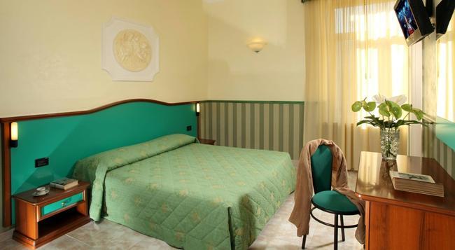 호텔 도리카 - 로마 - 침실