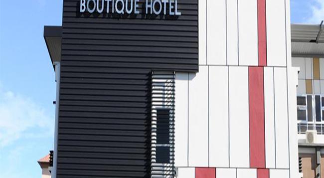 롯 10 부티크 호텔 - 쿠칭 - 건물
