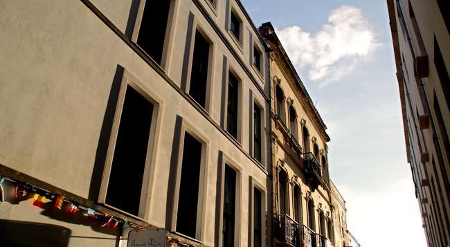 Aqua Ria Boutique Hotel - 파루 - 건물
