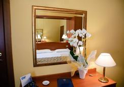 노보 호텔 로시 - 베로나 - 침실
