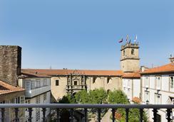Hotel Montes - 산티아고데콤포스텔라 - 야외뷰