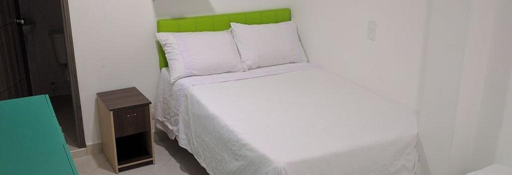 Summer Wind Hotel - 메델린 - 침실