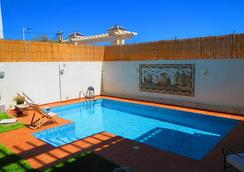 Dar El-Màa - 튀니스 - 수영장