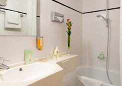 페이버드 호텔 스칼라 - 프랑크푸르트 - 욕실