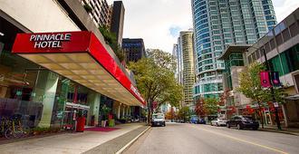 피나클 호텔 하버프런트 - 밴쿠버 - 건물